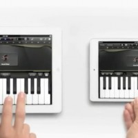 piano-ipad-mini-ad